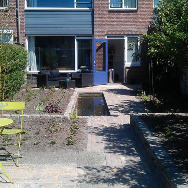 Tuinrenovatie Cornelis Dopperstraat - direct na aanplant