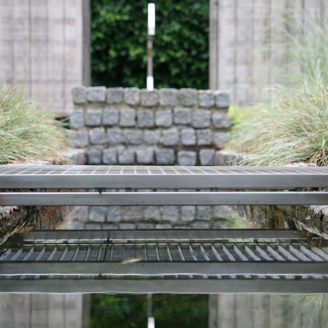 Waterornament en brug - ligger brug