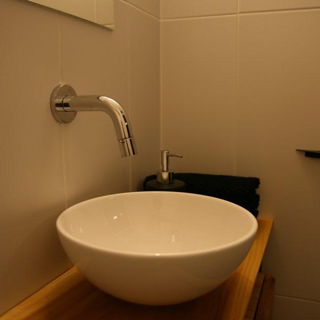Toiletrenovatie - kraan en waskom