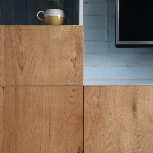 Wandkast met tegels - materialenpallet