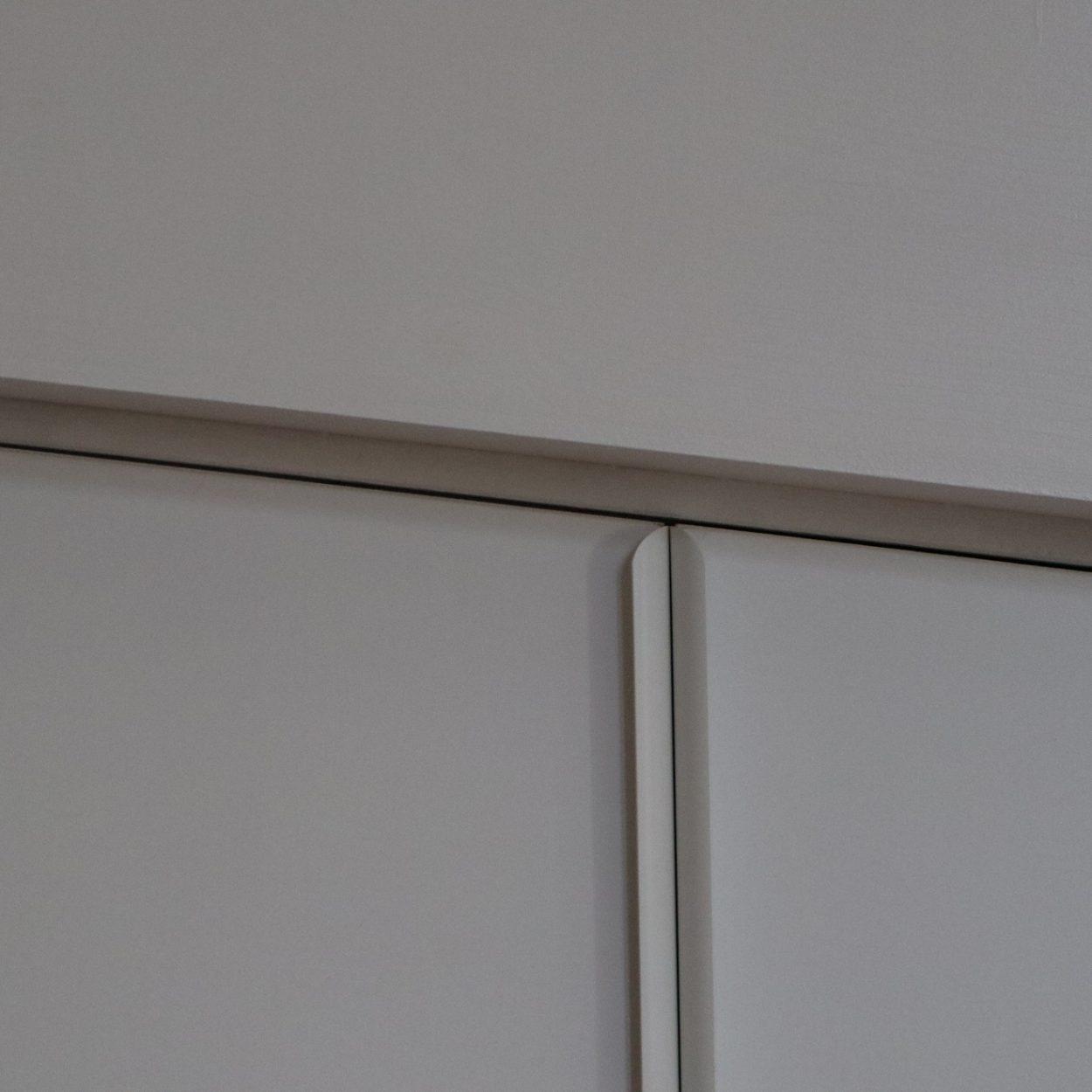 Inloopkast - detail deuren wandkast